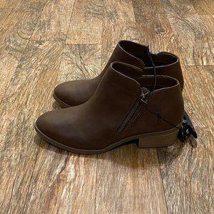 Zipper Boots NWT 7.5 W